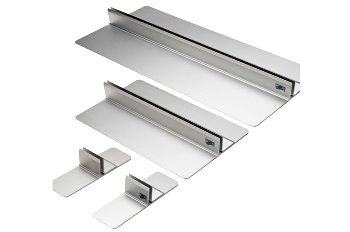 Choisissez de fixer au mur vos panneaux ou  de les maintenir solidementdebout par des socles.